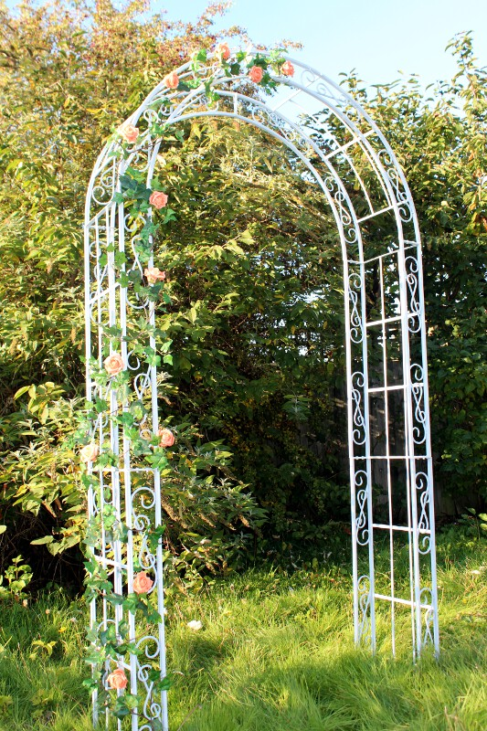 Decorative arch for hire for hertfordshire weddings wedding dj wedding arch in hertfordshire junglespirit Images