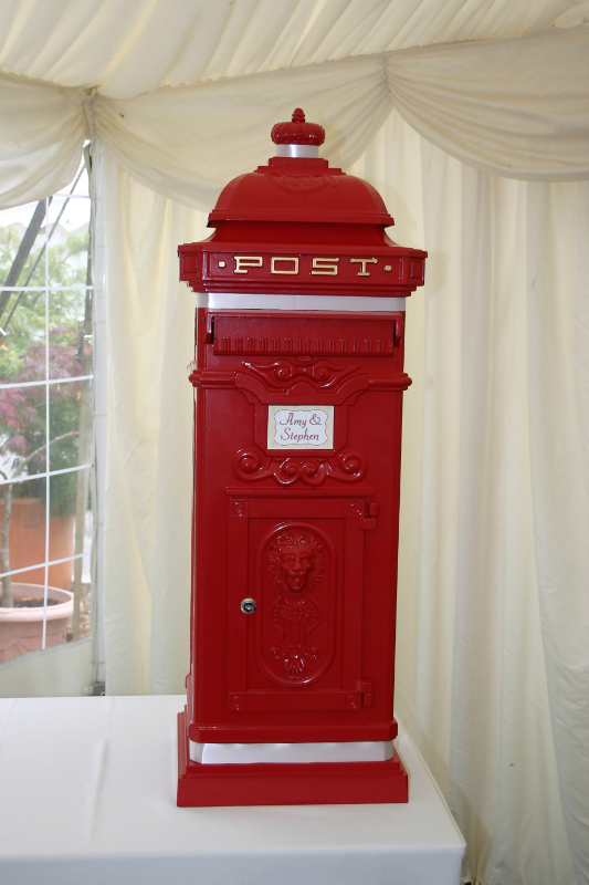Wishing Well And Postbox For Wedding In Hertfordshire