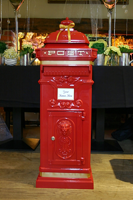 Wishing well and postbox for wedding in Hertfordshire – Post Boxes for Wedding Cards